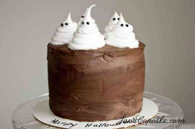 Easy Tutorial: Ghost & Pumpkin Cakes for Halloween | JavaCupcake.com