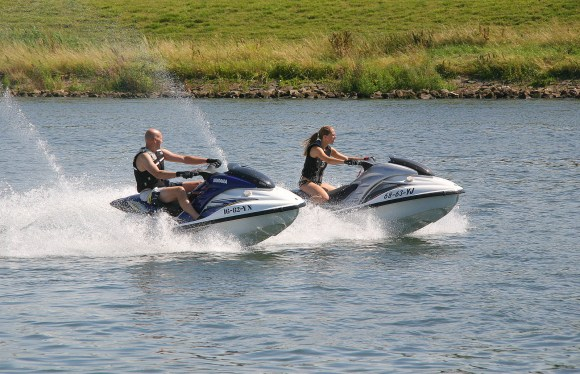 Man_and_a_woman_on_jetski