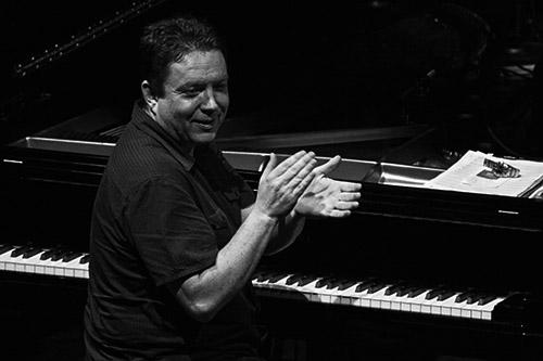 Kevin Bales   Concierto: René Marie en el Festival Jazz San Javier, un regusto a elegancia   Fotografía