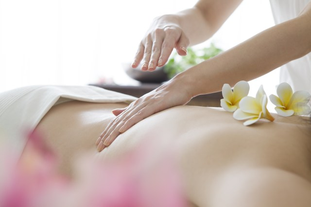 Women of aroma oil massage