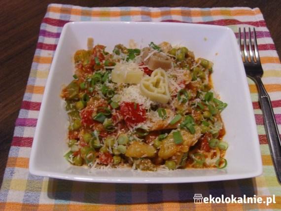 Makaron z warzywami w stylu włoskim