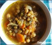Zupa z ciecierzycy i zielonej soczewicy