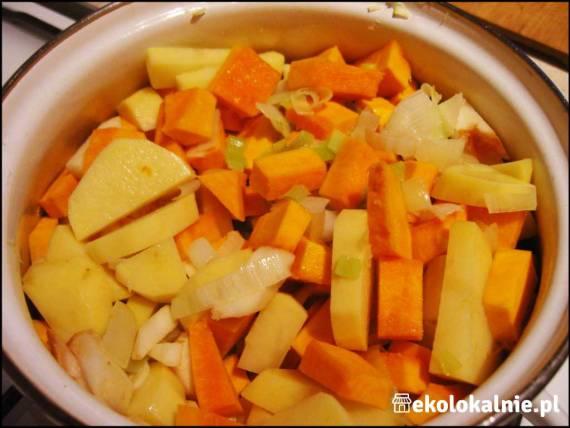 Fantastyczny krem z dyni z jabłkiem i ziemniakami