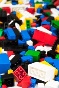 Kozzi heap of assorted lego blocks 294x441 200x300 Official LEGO® Channel   Use Your Imagination With LEGOs