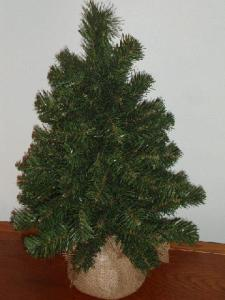 christmastree1 225x300 NATIONAL TREE COMPANY 2' NOBLE SPRUCE TREE  #REVIEW