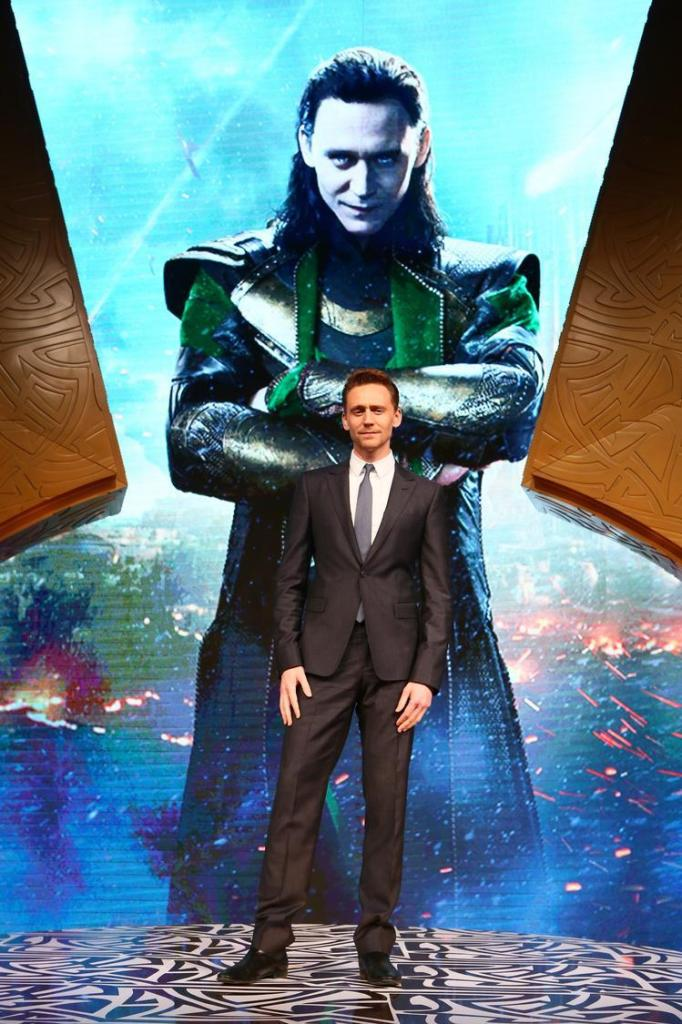 HK A6388 682x1024 THOR THE DARK WORLD   Tom Hiddleston's International Tour #ThorDarkWorldEvent #DeliveryManEvent