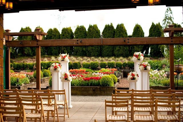 Willows Lodge Ceremony by Jen's Blossoms   © Kimberly Kay Photography