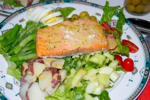 {Weekend detox} Salmon Nicoise Salad