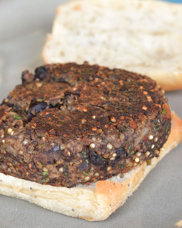 Quinoa and Black Bean Veggie Burgers | Flying on Jess Fuel