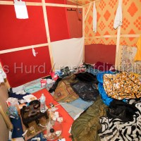 Refugees leave their shelters and belongings as the eviction begins of the Jungle camp prior to a demolition by French authorities. Calais, France.  © Jess Hurd/reportdigital.co.uk