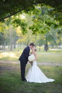 Bride and Groom in the park - Image by: Meredith Rogers Photography | http://jessicadum.com/portfolio/hannah-terrence/