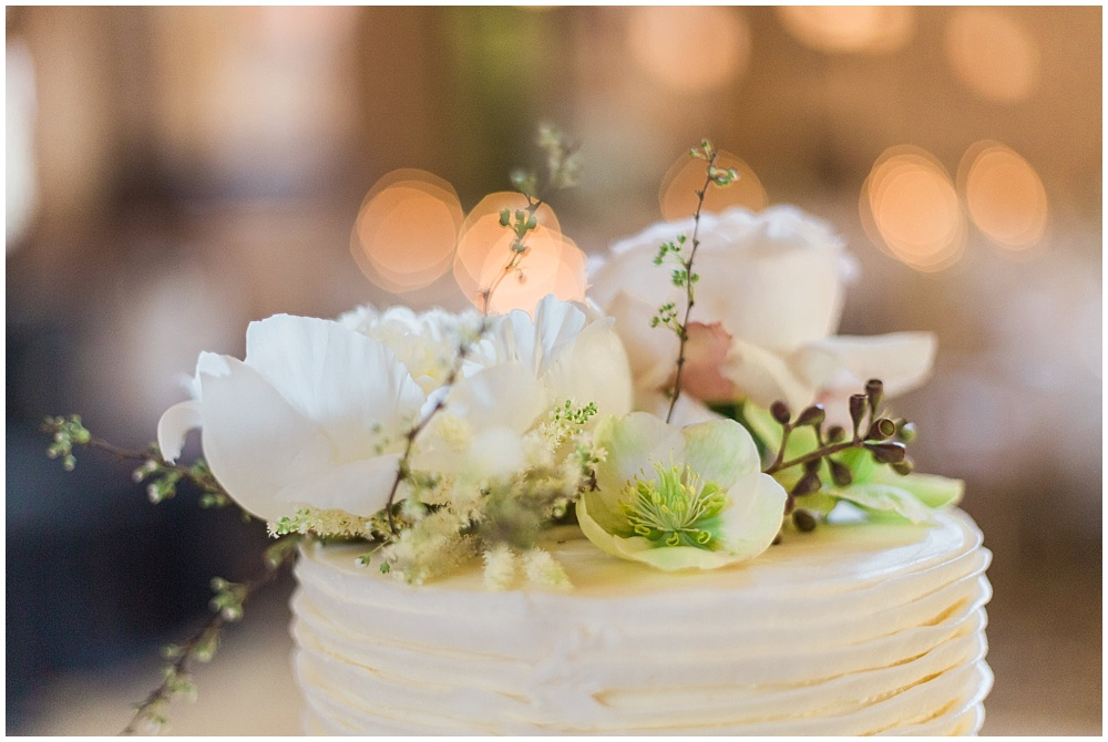 Simple floral wedding cake topper | Downtown Indianapolis Wedding by Gabrielle Cheikh Photography & Jessica Dum Wedding Coordination