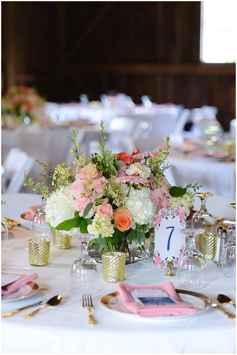 Blush and white wedding floral centerpieces | Mustard Seed Gardens Wedding by Sara Ackermann Photography & Jessica Dum Wedding Coordination