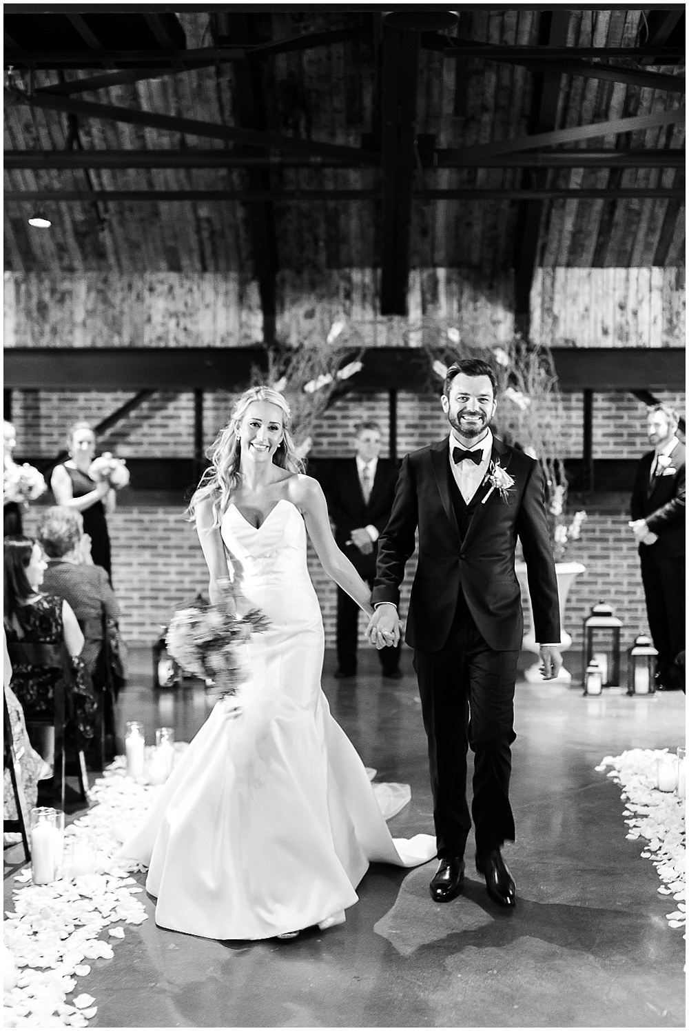 Bride and groom exit | Canal 337 wedding by Jenny Haas Photography & Jessica Dum Wedding Coordination