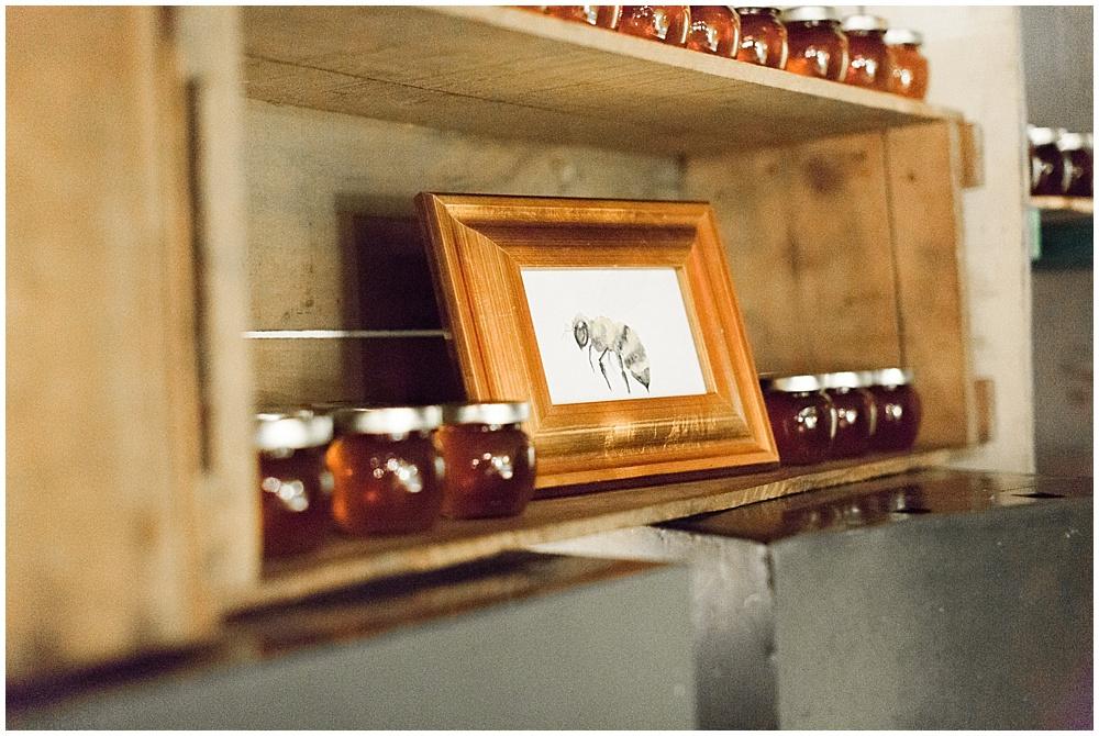 local honey favor | Ivan & Louise Images and Jessica Dum Wedding Coordination