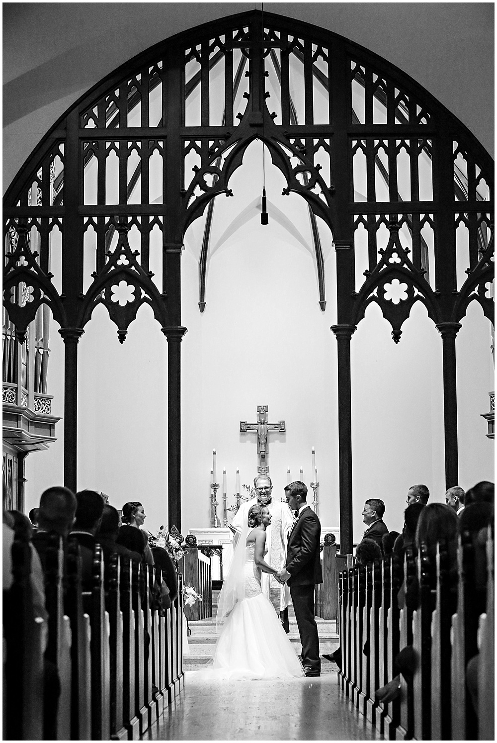 cathedral ceremony | elegant gold downtown wedding | Jessica Strickland Photography and Jessica Dum Wedding Coordination