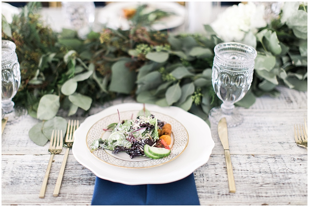 Navy and gold tablescape with draped greenery, navy and pink southern wedding | Ivan & Louise Images and Jessica Dum Wedding Coordination