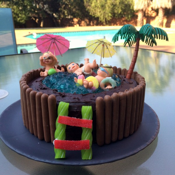 Modern Jelly Swimming Pool Cake