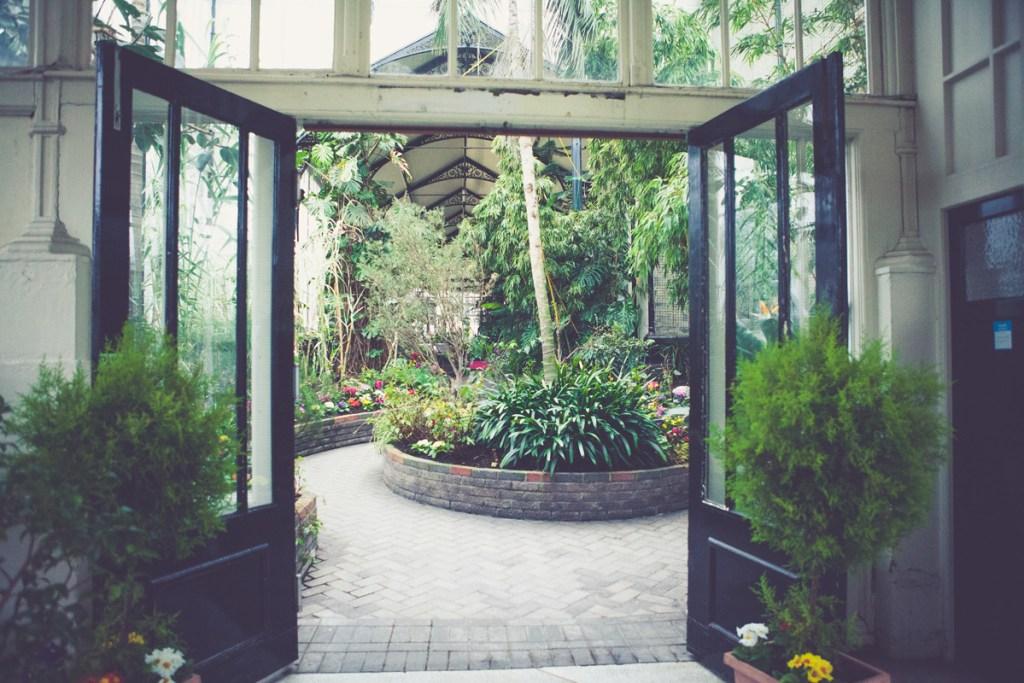 Buxton-Pavilion-Gardens-Wedding-30