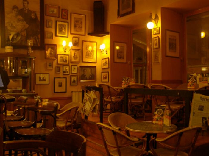 Paris Texas Budapest Hungary Bar