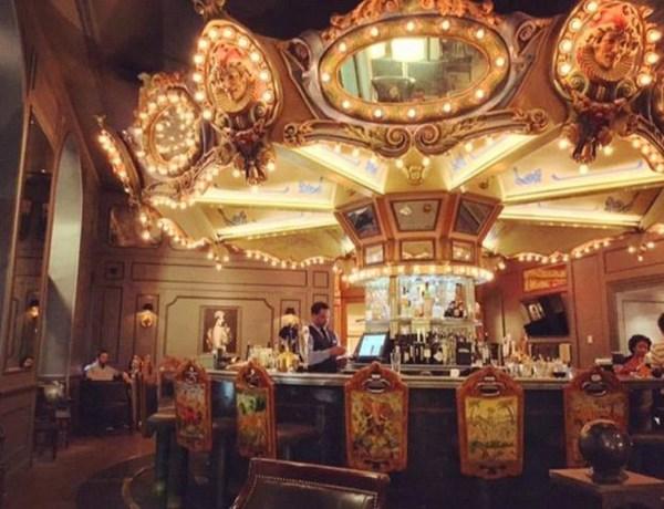 Facebook Hotel Monteleone