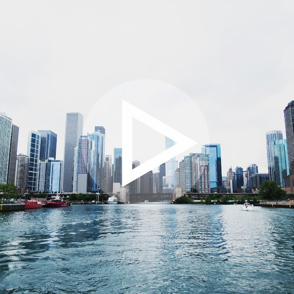 chicago-architecture-river-cruise-play-button