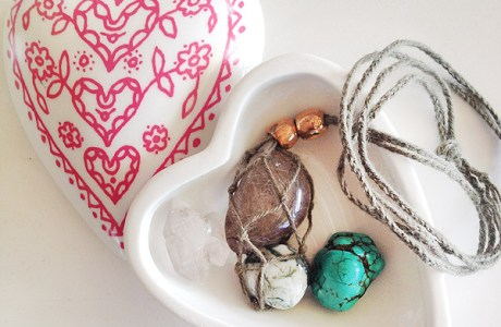 Necklace_gem-macrame-DIY