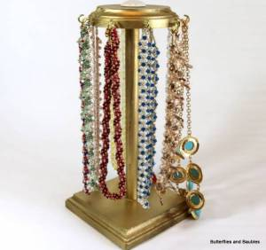 diy-wood-necklace-stand
