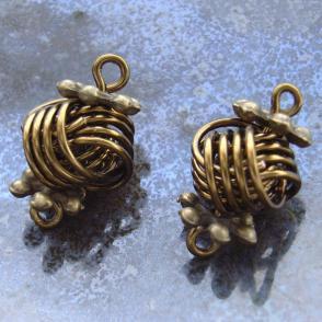 danish love knots - free jewelry making tutorial