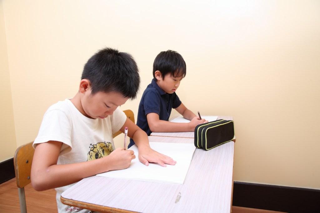 小学生の子供が勉強できないのは親の責任?辛い現状を変えるには