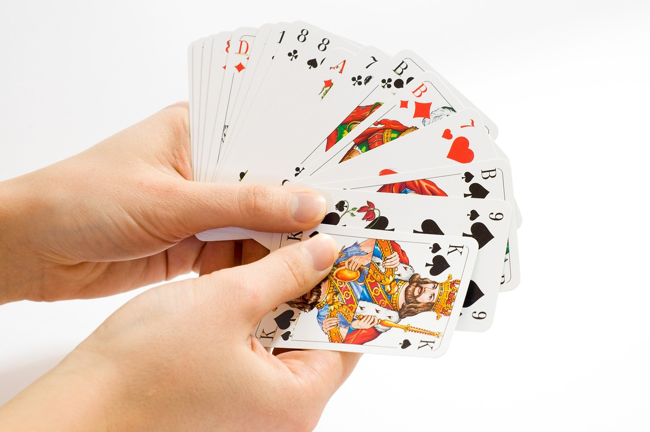 card-game-1834640_1280