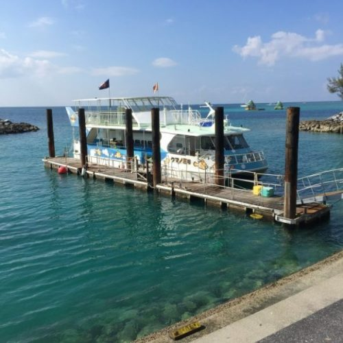 沖縄59 ロイヤルリゾート 船-min