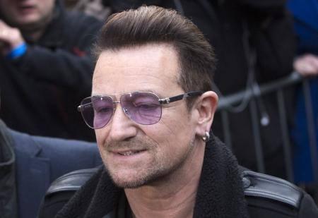 U2のボノ、NYで自転車事故。5時間、2度の手術を受ける大怪我