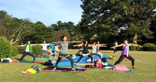 ヨガでトレーニング!気軽に参加イベント「パークヨガ」!