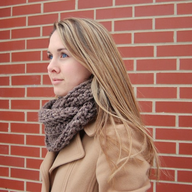 Free Crochet Pattern For A Cowl : Crochet Cowl Pattern with Infinity Loop