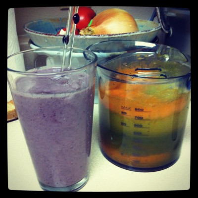 Purple Smoothie and tricolor juice on JL goes Vegan