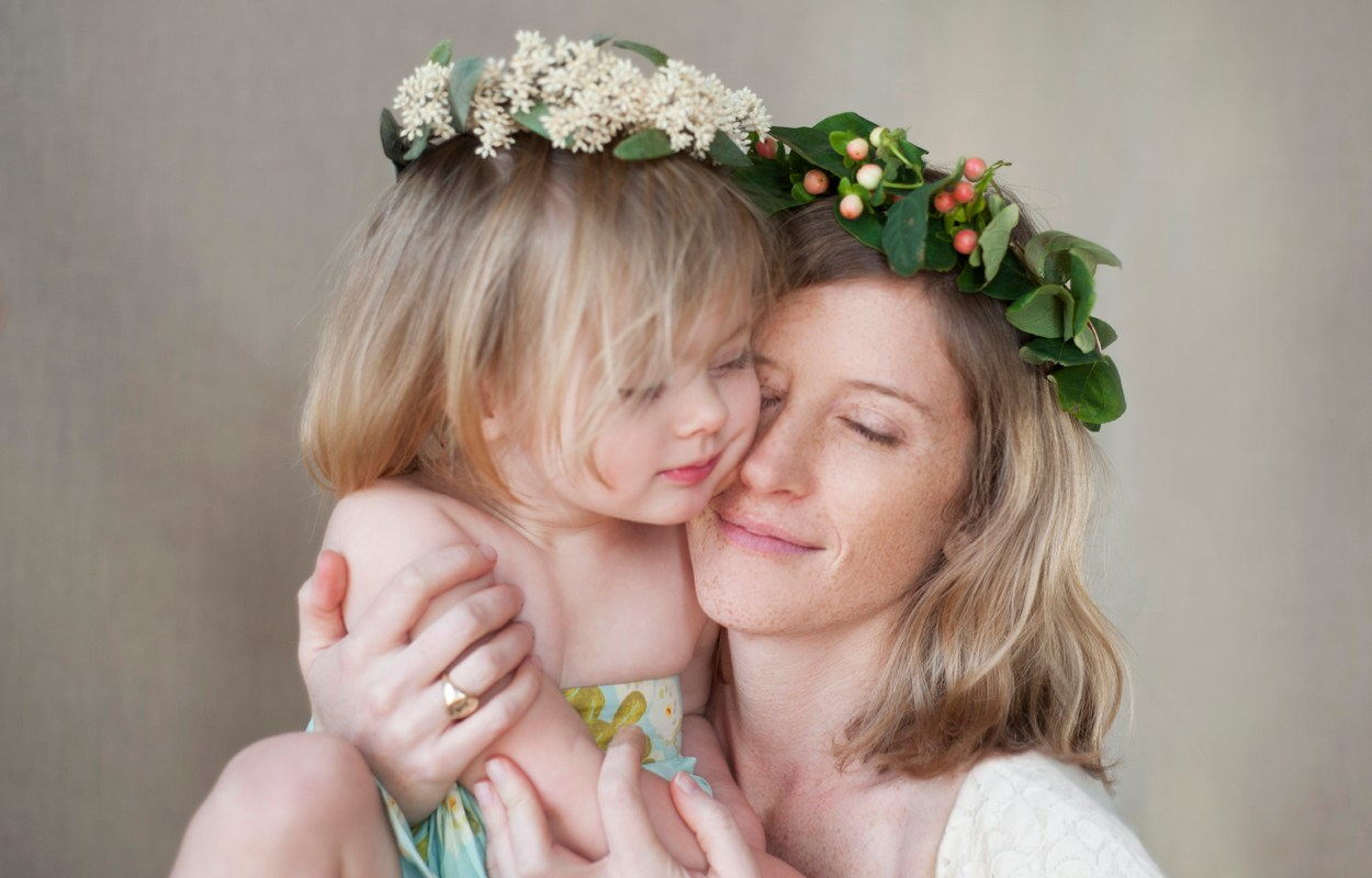 Anne & Izzy – Mother/Daughter Portraits