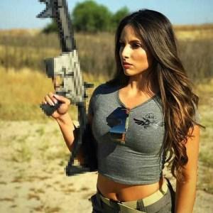 Gun-Chick-2