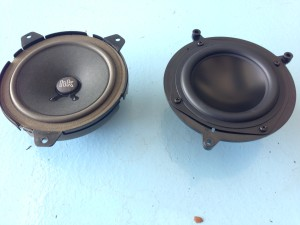 bmw-e46-sedan-speaker-replacement-front-door-mid-1