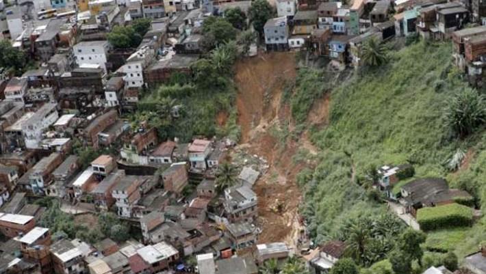 Segundo a Defesa Civil, o número de ligações relacionadas a chuva chegou a 212 em Salvador no último domingo (17) - Arquivo Manu Dias-GOVBA