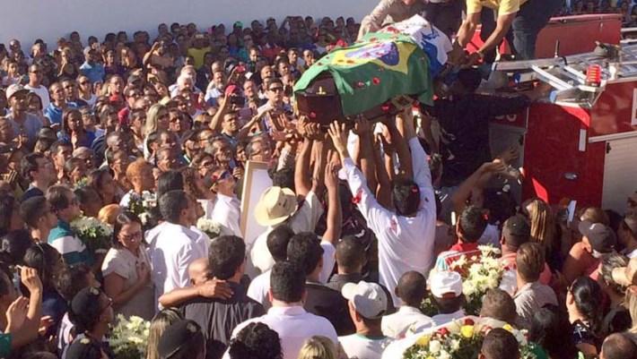 4 Jadiel funeral - FOTO - Cristina Vilarino