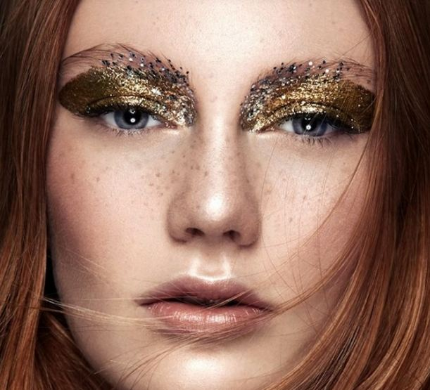 maquiagem-carnaval-glitter-dourado
