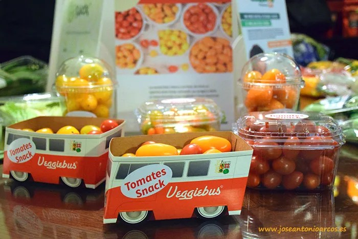 El 'Veggiebus' es un original autobús de tomate cherry
