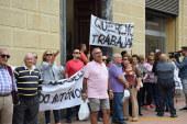 Protestas en Motril para evitar la demolición de invernaderos en la costa