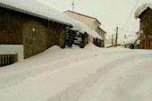"""UPA recuerda que """"pasan cosas"""" más allá de la nieve en la AP-6"""