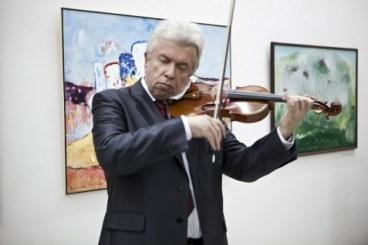 Jaroslav Svěcený na vernisáži výstavy JUV