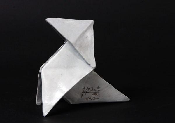 """Pajarita"", bronce, 66 x 126 x 138 mm, 1300 grs, 1995"