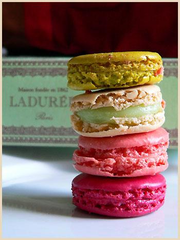 Macarons - популярное лакомство парижан