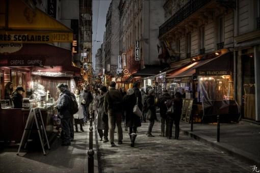 В Латинском квартале на Rue Huchette много недорогих кафе и ресторанов