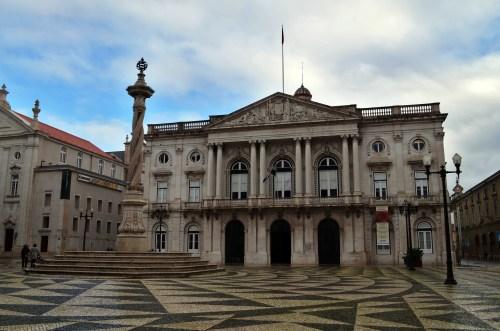 В Лиссабоне очень много красивых площадей